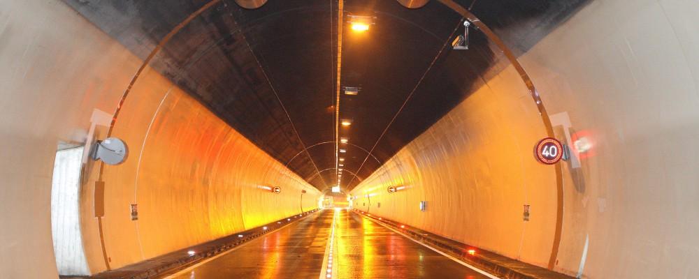City Tunnel  Firma IDS bau strassenbau Autobahn Verkehr Schutz